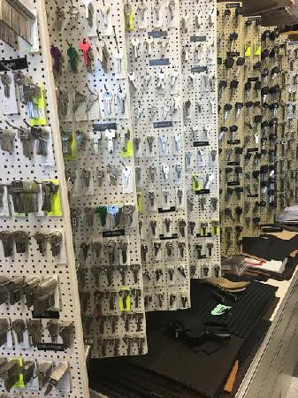 Reproductions de tous type de clé avec près de 3'000 références